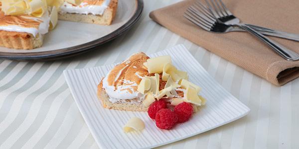 Delicious Lemon Meringue Crostata with Raspberries